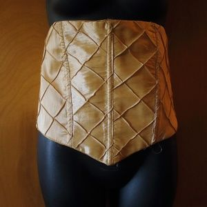 VINTAGE BEAUTIFUL CORSET W/SUEDE TIE(OS)